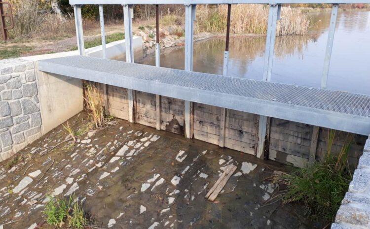 Bezpečnostní přeliv Podmýtského rybníka po celkové rekonstrukci